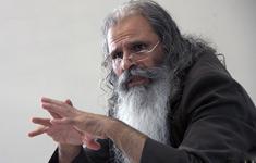 مؤسسه تنظیم و نشر آثار امام(س) برای بالا نرفتن قیمت کتاب هایش تلاش می کند