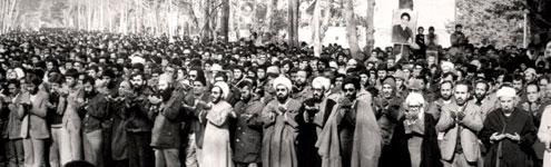 گزارشی از اولین نماز جمعه تهران به امامت آیت الله خامنه ای