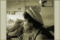 عکس امام خمینی در قهوه خانه   پاکستانی