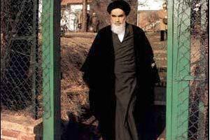 کلیپ سخنان امام در باره اولین اقدام بعد از ورود به ایران