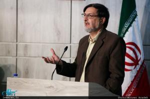 بهشتی: نظریه های امام خمینی(س) تکیه گاه قانون اساسی است