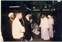 امام در حال نماز در حرم حضرت علی (ع) در نجف