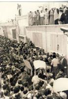 دیدار مردم با امام در قم