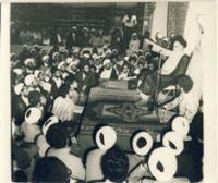 دیدار با امام در کتابخانه مدرسه فیضیه قم