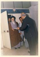 دیدار با امام برای تقدیم عریضه