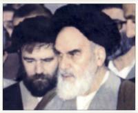 حاج احمد آقا در کنار امام