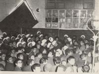 دیدار روحانیون و مردم با امام در قم پس از آزادی ایشان از زندان