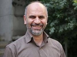 فرشاد مومنی: کسانی را انتخاب کنیم که استقلال رأی داشته باشند