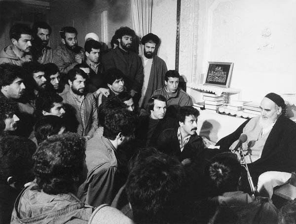دیدار فوتبالیستها با امام در جماران