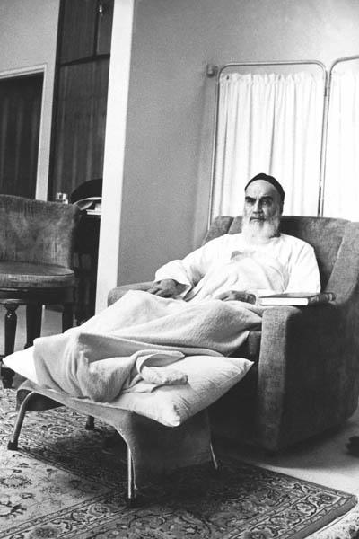 امام در بیمارستان قلب تهران