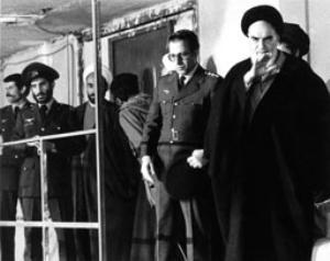 دیدار پرسنل نیروی هوایی با امام در حسینیه جماران