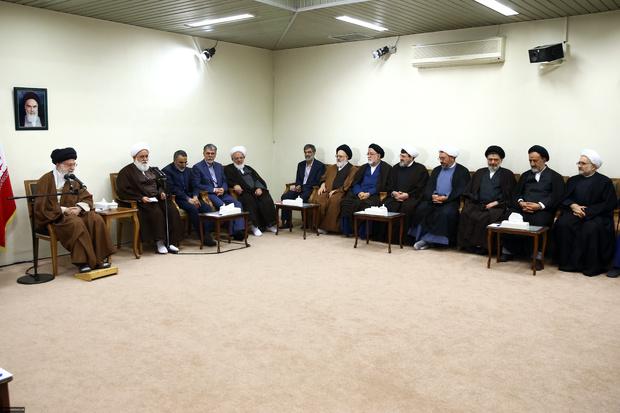 دیدار دست اندرکاران کنگره آیت الله مصطفی خمینی با رهبر انقلاب
