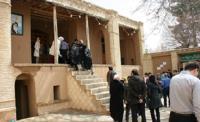 بازدید چشمگیر گردشگران و مسافران نوروزی از بیت تاریخی حضرت امام  + گزارش تصویری