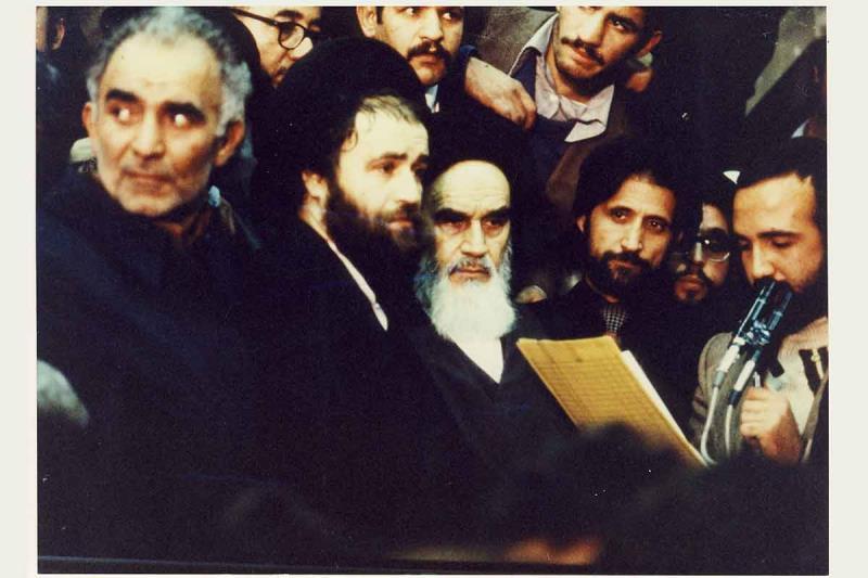 امام خمینی در فرودگاه مهرآباد