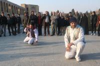 اجرای تئاتر های خیابانی منتخب جشنواره تئاتر روح الله در اصفهان