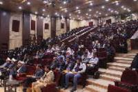 بازدید دانشجویان شرکت کننده در اردوی دانشجویی طریق جاوید، از نگارستان امام خمینی (ره) اصفهان