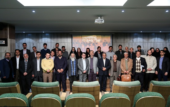 پیش همایش نقد و واکاوی آثار مرتبط با زندگینامه امام خمینی(ره) برگزار شد