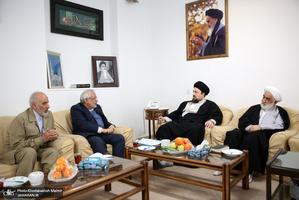 دیدار اعضای شورای مرکزی حزب موتلفه اسلامی و خانواده مرحوم حبیبی با یادگار امام