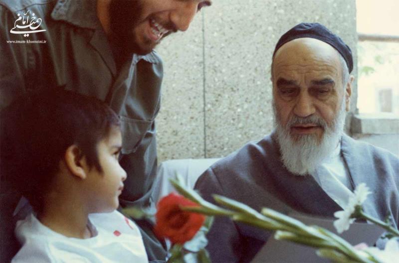 پیام امام به مناسبت بازگشایی مدارس پس از پیروزی انقلاب