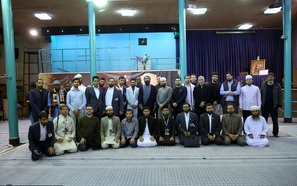 بازدید جمعی از شرکت کنندگان در ششمین دوره مسابقات قرآن کریم دانش آموزان جهان اسلام از جماران