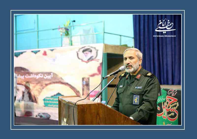 سردار یزدی: امروز دشمن به دنبال نا امید کردن جوانان ما است
