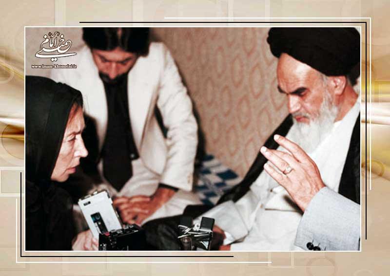 پاسخ منطقی امام در برابر شیطنت خبرنگاری که به هنگام مصاحبه چادر را از سر برداشت