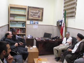 بازدید دکتر حداد عادل و هیئت همراه از منزل و مدرسه امام خمینی (س) در نجف اشرف