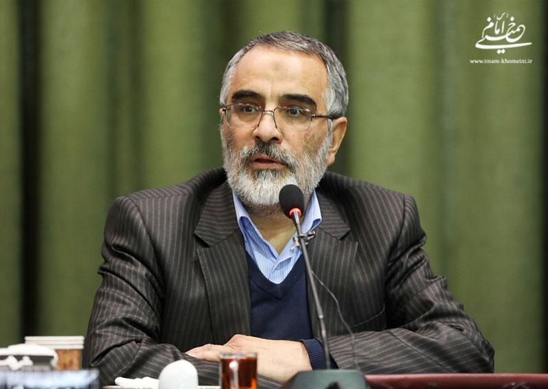 محمدعلی انصاری: پس از ارتحال امام راحل، ارتباط شهید سردار سلیمانی با بیت امام هیچگاه قطع نشد