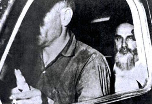 در سالروز انتقال امام خمینی از پادگان عشرت آباد به داودیه