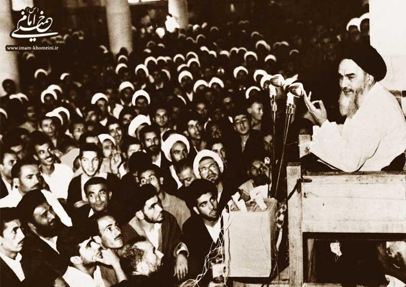 امام پس از آزادی از زندان