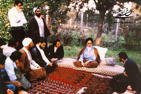 امام در سال پنجاه و هفت: روابط ما با جامعۀ غرب؛ یک روابط عادلانه خواهد بود
