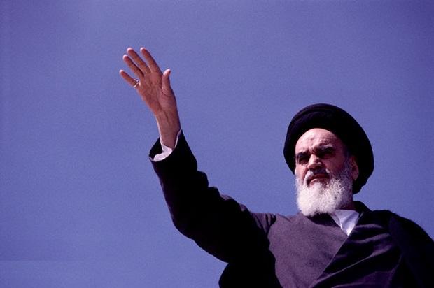 نظر امام خمینی در رابطه با جنگ، پس از فتح خرمشهر چه بود؟ چرا جنگ ادامه یافت؟ دلایل پذیرش قطعنامه ۵۹۸ چه بود؟