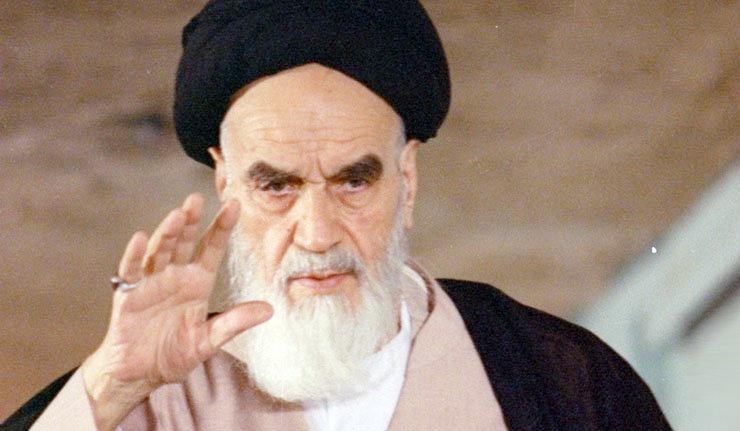 نگارش وصیتنامه سیاسی الهی امام در بیست و ششم بهمن ماه سال ۶۱