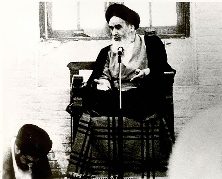 تصاویر منتشر نشده از حضرت امام و مرحوم محتشمی پور در دهه ۴۰