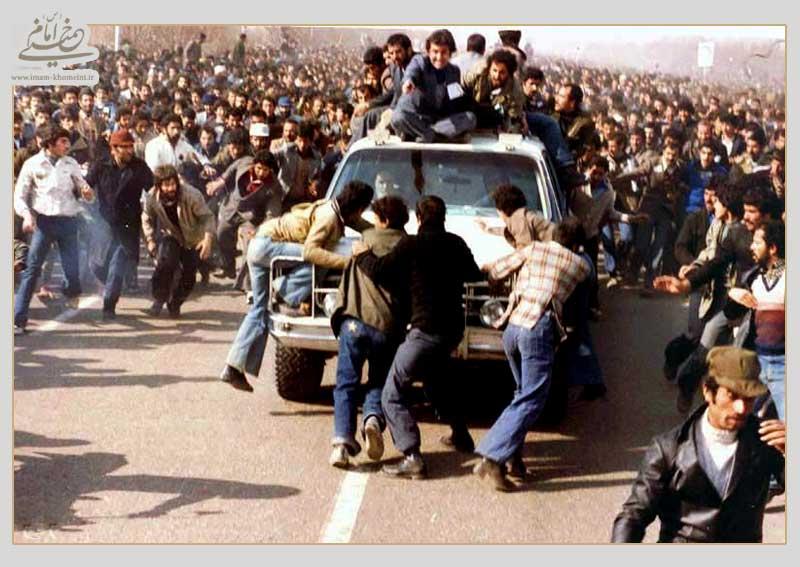 پرواز انقلاب؛ اصرار های فراوان برای صرفه نظر از یک تصمیم! روایت یادگار امام از مهمترین روزهای انقلاب