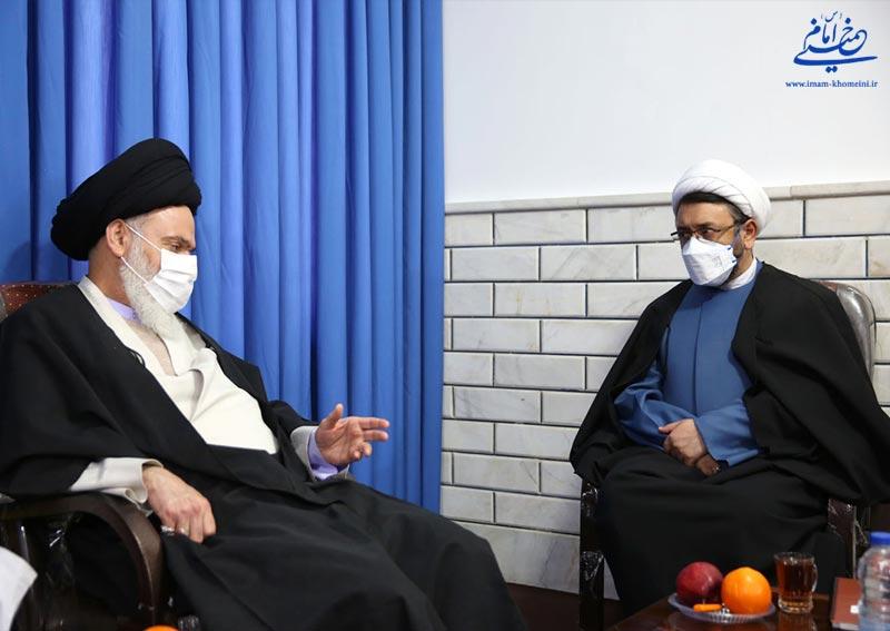 دیدار دکتر کمساری و آیت الله حسینی بوشهری