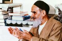 توصیه امام به تاریخ نویسان: اگر به تاریخ با نظر عبرت و تذکر بنگریم،  منبع معرفت و حکمت برای تحصیل «علم به الله» و «علم به معاد» خواهد بود
