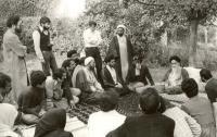 در منظر امام توسعه مادی و معنوی در گرو توجه به جوانان است/ مروری بر ارتباط دانشجویان با امام خمینی