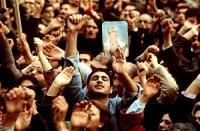برگی از صحیفه رشادت های مردمی(۲): تاکتیک التماس شاه، تدبیر کارساز امام خمینی