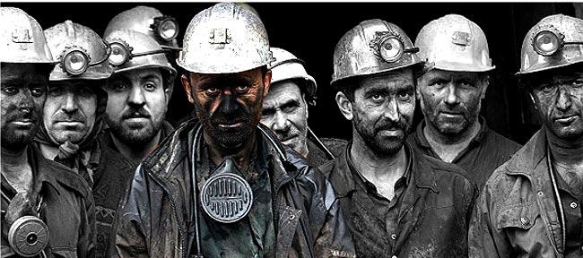 امام خمینی: حیات یک ملت، مرهون کار و کارگر است