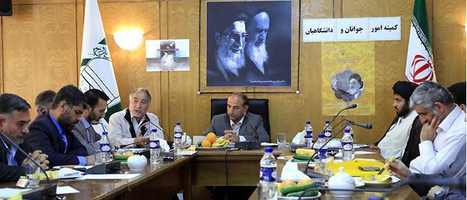 انتقاد از صدا و سیما به دلیل نحوه پوشش برنامه های ستاد بزرگداشت امام خمینی(س)