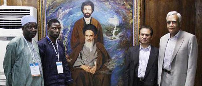 بازدید نمایندگان کشورهای عضو جنبش عدم تعهد از حسینیه جماران