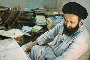 نگاهی به حیات علمی و آثار قلمی آیت اللّه  سید مصطفی خمینی(ره)