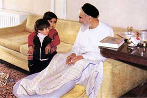 جلوه های پدرانه حضرت امام (س)