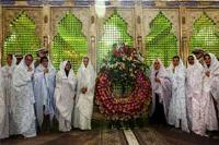 فارسی آموزان خارجی به مقام امام خمینی (س) ادای احترام کردند