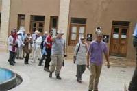 گردشگران آلمانی از بیت تاریخی امام خمینی(س) دیدن کردند