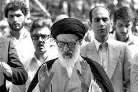 صدور اجازه اقامه اولین نماز جمعه تهران به امامت آیت الله طالقانی